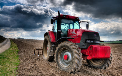 O'Donnell Insurance Services | Farm Insurance | Tractor in the Dirt